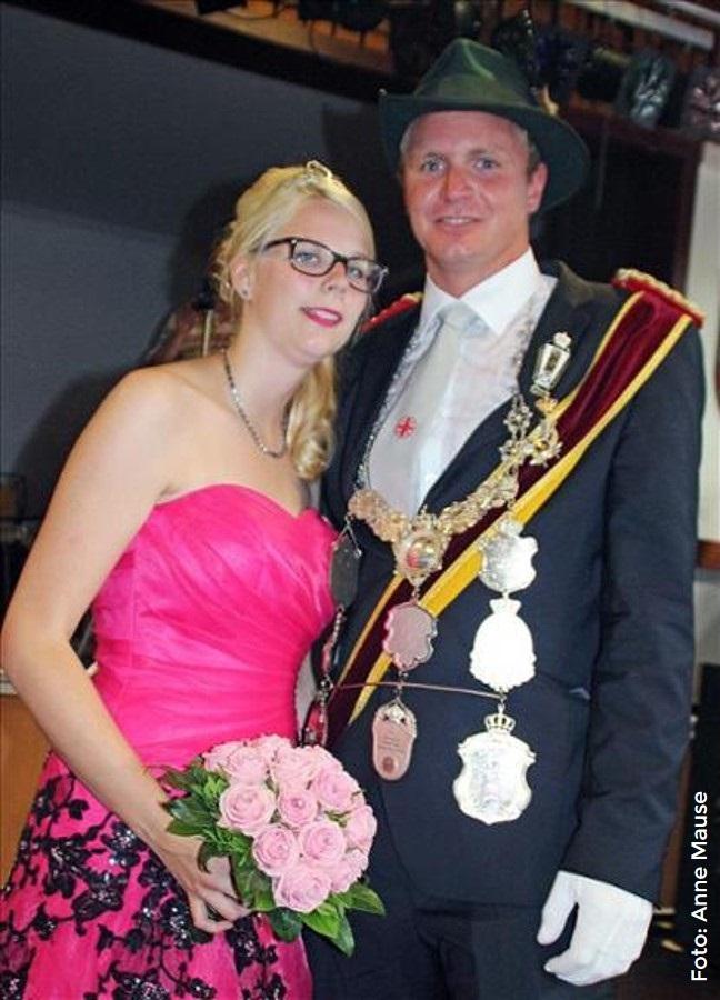 Das aktuelle Bezirkskönigspaar Stefan Wessel und Laura Gretenkort